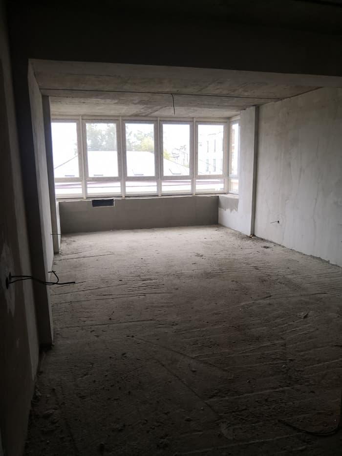 Строящаяся квартира, вид внутри