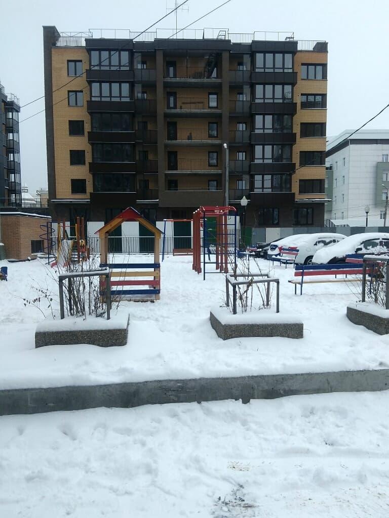 Детская площадка рядом с ЖК Ангара